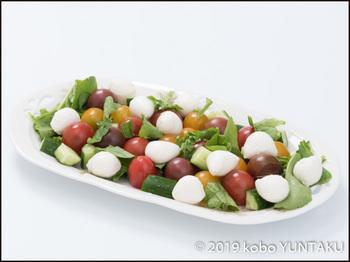 ミニトマトとモツァレラチーズのサラダ