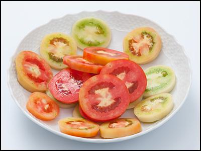 トマトをスライス