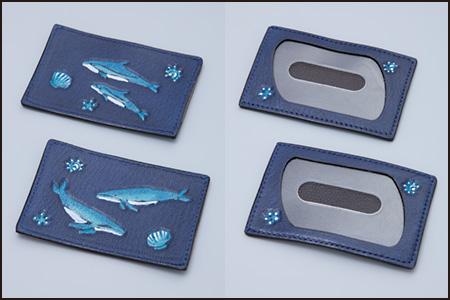 イルカ柄とクジラ柄のパスケース